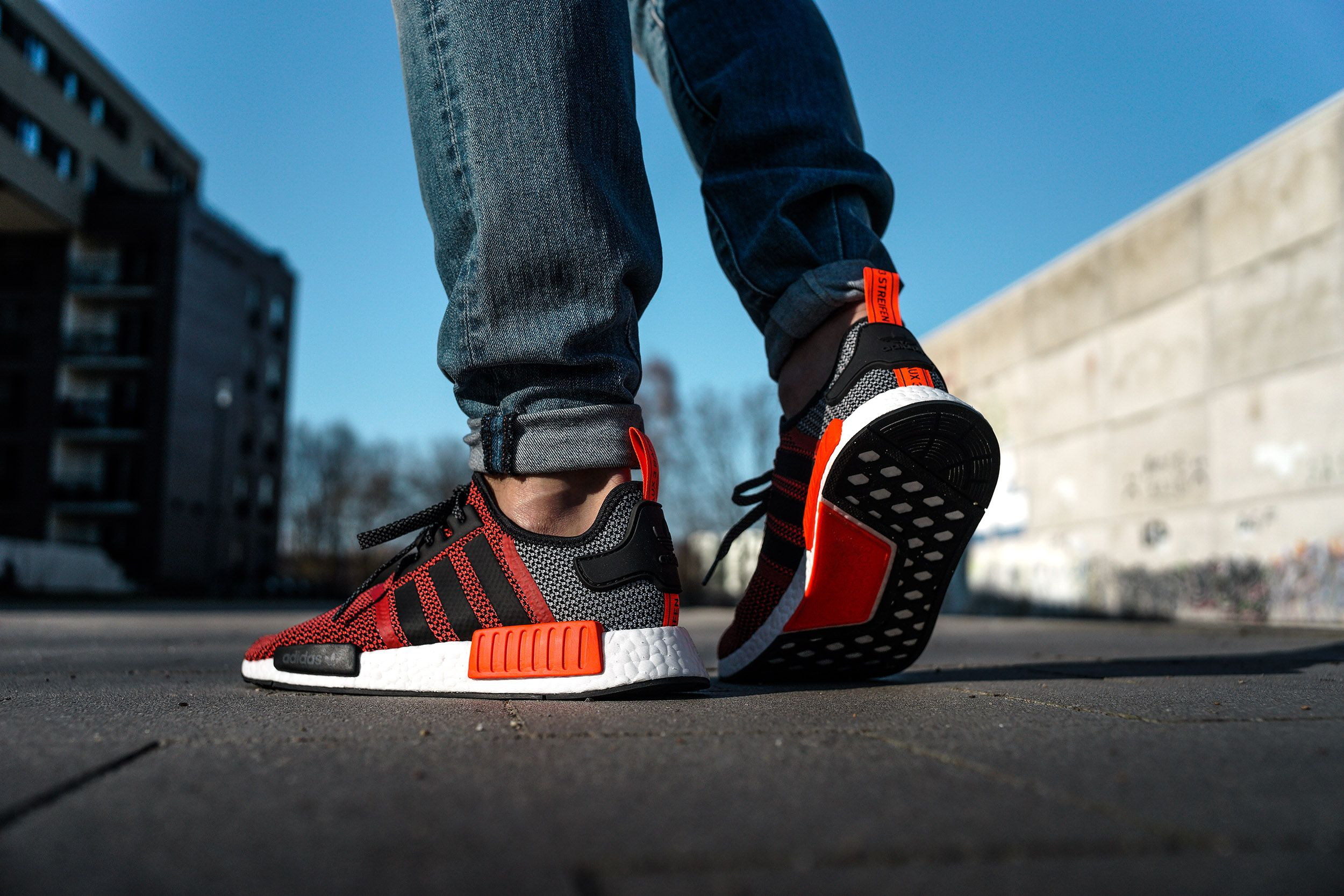 how does adidas nmd r1 fit