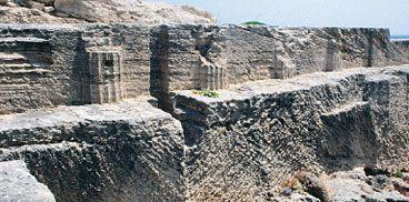 Cabras, scavi di Tharros, tempio delle semicolonne doriche