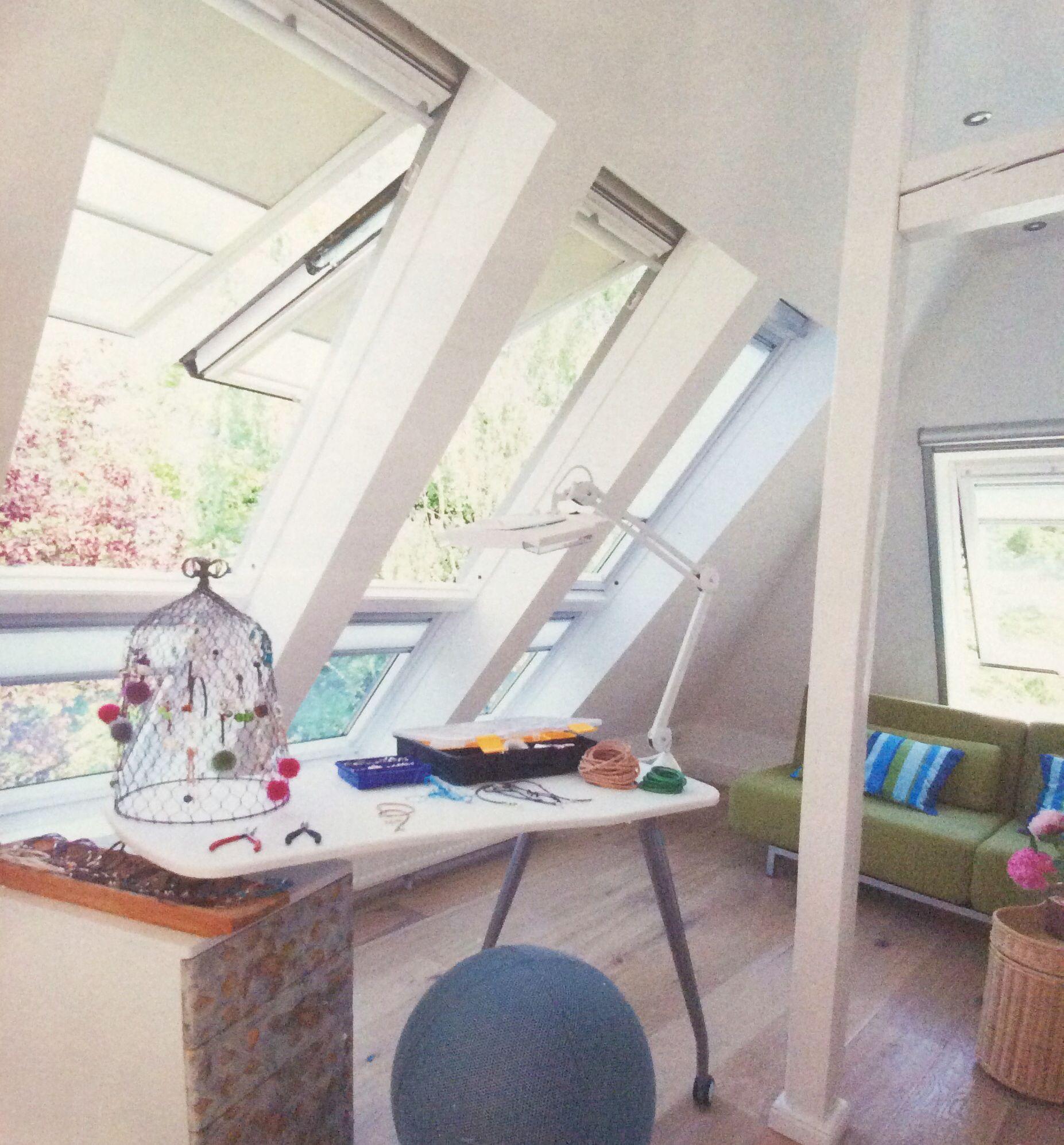 Spitzboden, Dachboden, Dachflächenfenster, Fenster, Büro ...