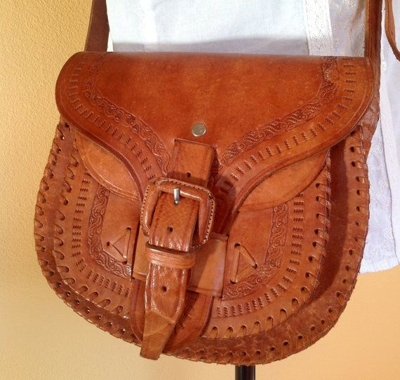 Vintage Mexican Tooled Leather Purse  42 5dee18c82d827