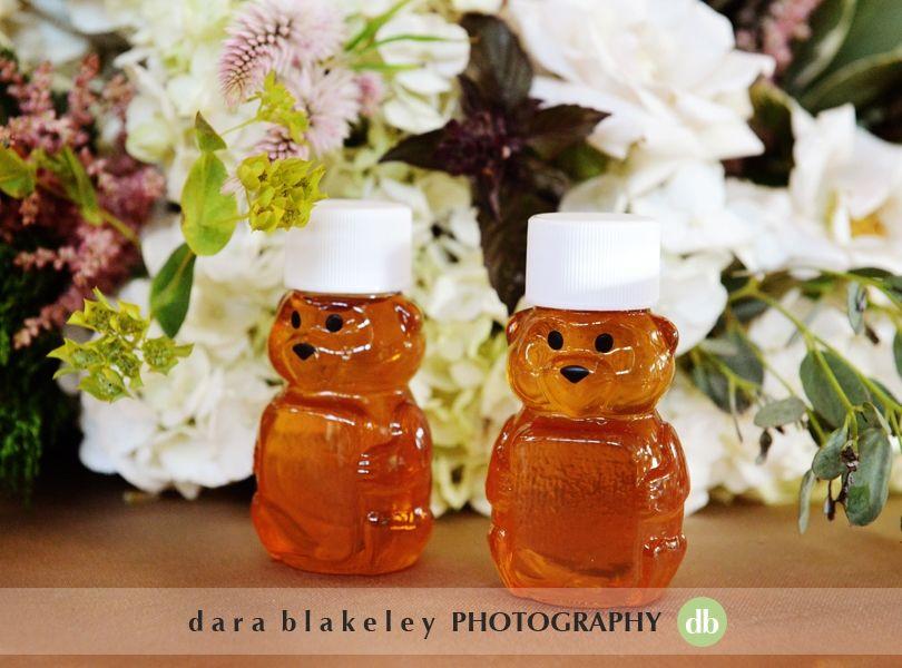 Honey bear wedding favors  | www.SouthernBrideandGroom.com | Photo by @darablakeley