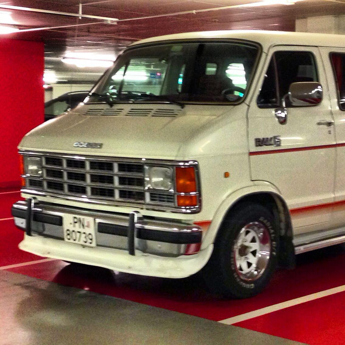 Vans, Dodge Van