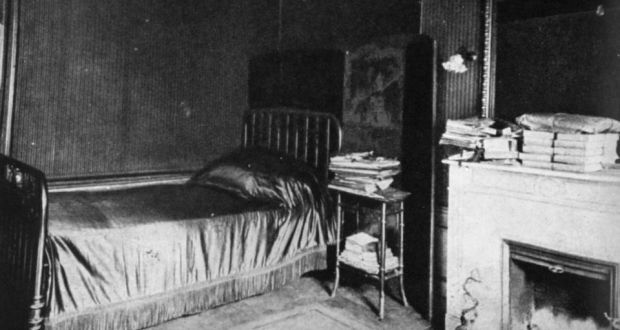 The Cork Lined Bedroom Writing Room Of Marcel Proust The Original Master Of Social Distancing Open In 2020 Bedroom Interior Art Marcel Proust Private Dining Room