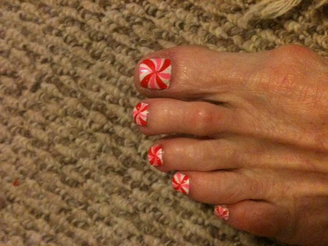 My holiday toes done by jenny at solar nails in sherman i can do my holiday toes done by jenny at solar nails in sherman solutioingenieria Image collections