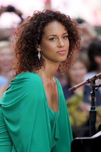gorgeous defined curls alicia keys