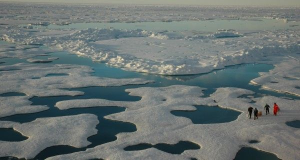 Giant Waves Destroy Arctic Ice Weakened by Climate Change