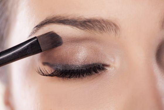 5 Ways To Make Blue Eyes Pop With Proper Eye Makeup Skin Makeup Eye Makeup Smokey Eye Makeup