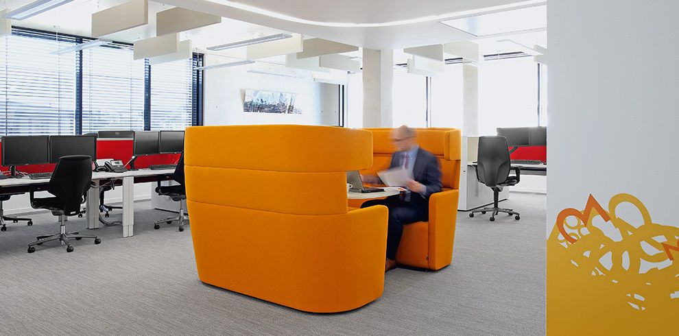 Varian, Troisdorf, DE furnished by Bene. Informal collaboration area ...