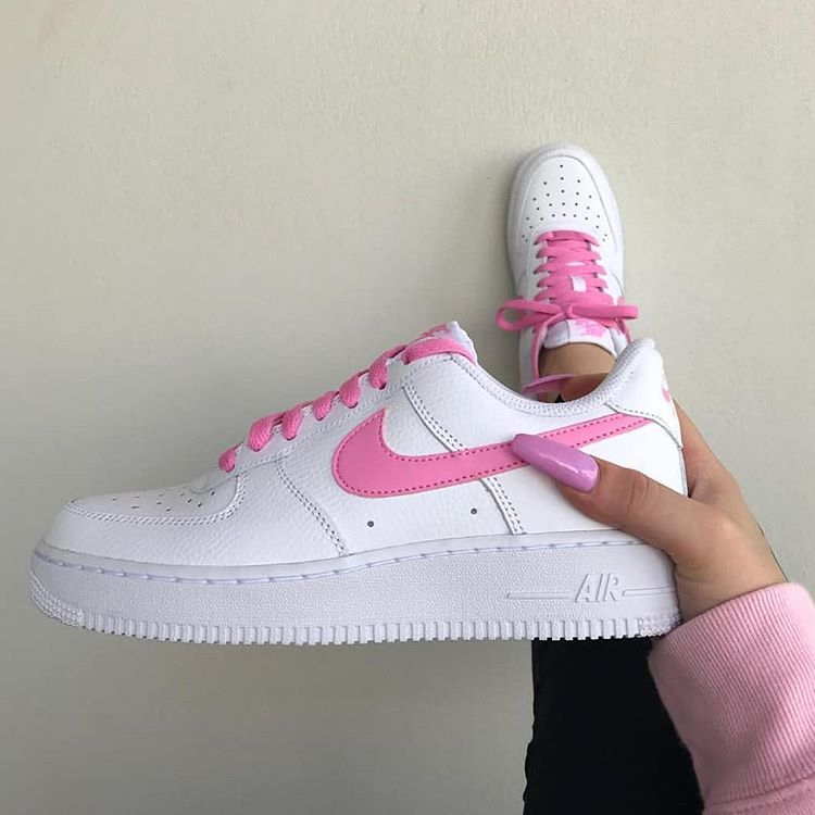 good looking 100% top quality super cheap ☁︎┊ 𝙿𝚒𝚗𝚝𝚎𝚛𝚎𝚜𝚝: @ 𝚝𝚑𝚎𝚛𝚒𝚡𝚘𝚡𝚘 🌙 💗Nike ...