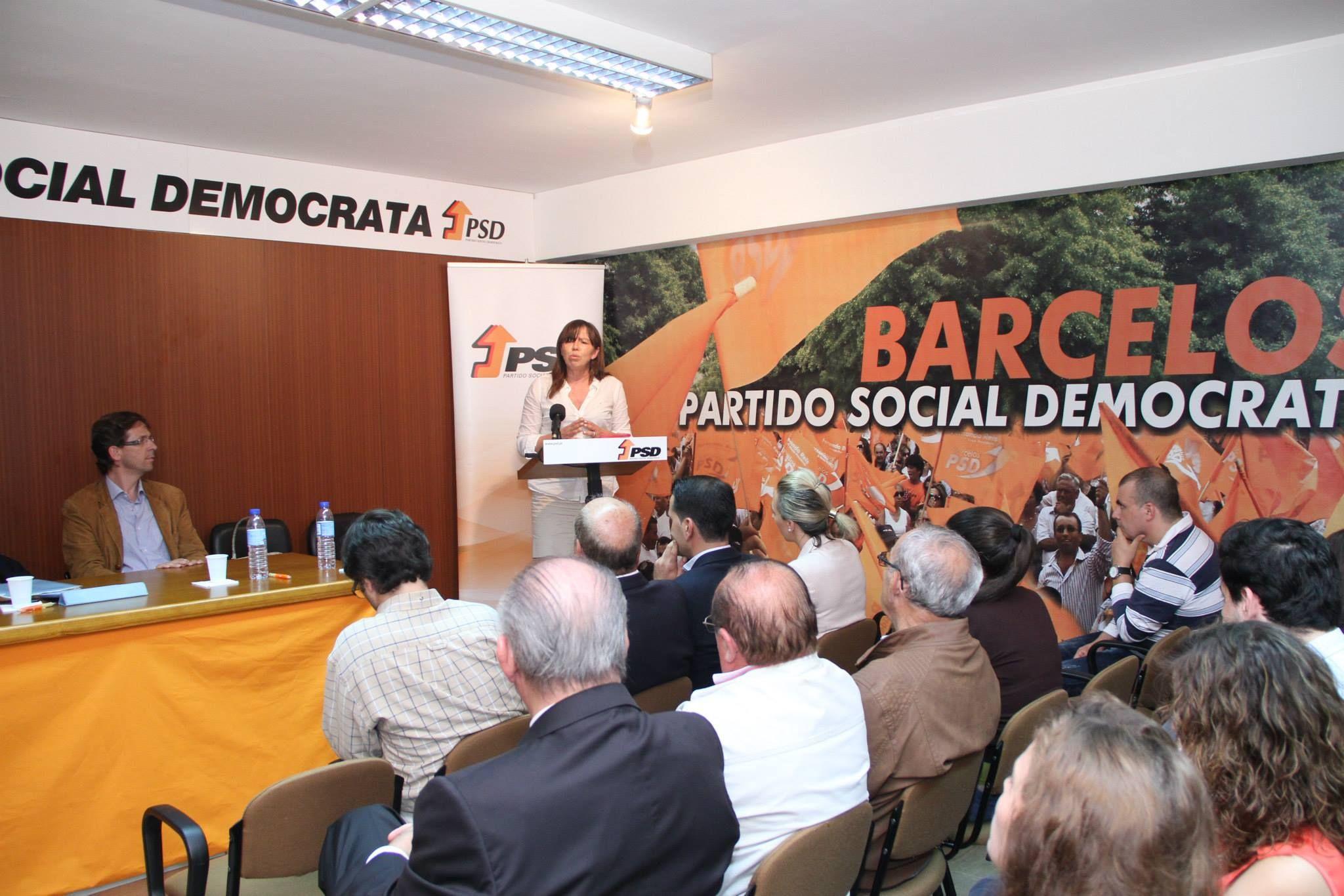"""Conferência """"Recordar Sá Carneiro, o seu pensamento e Acção Política"""", realizou-se em Barcelos, no dia 18 de julho de 2014, e contou com a presença de Teresa Leal Coelho."""