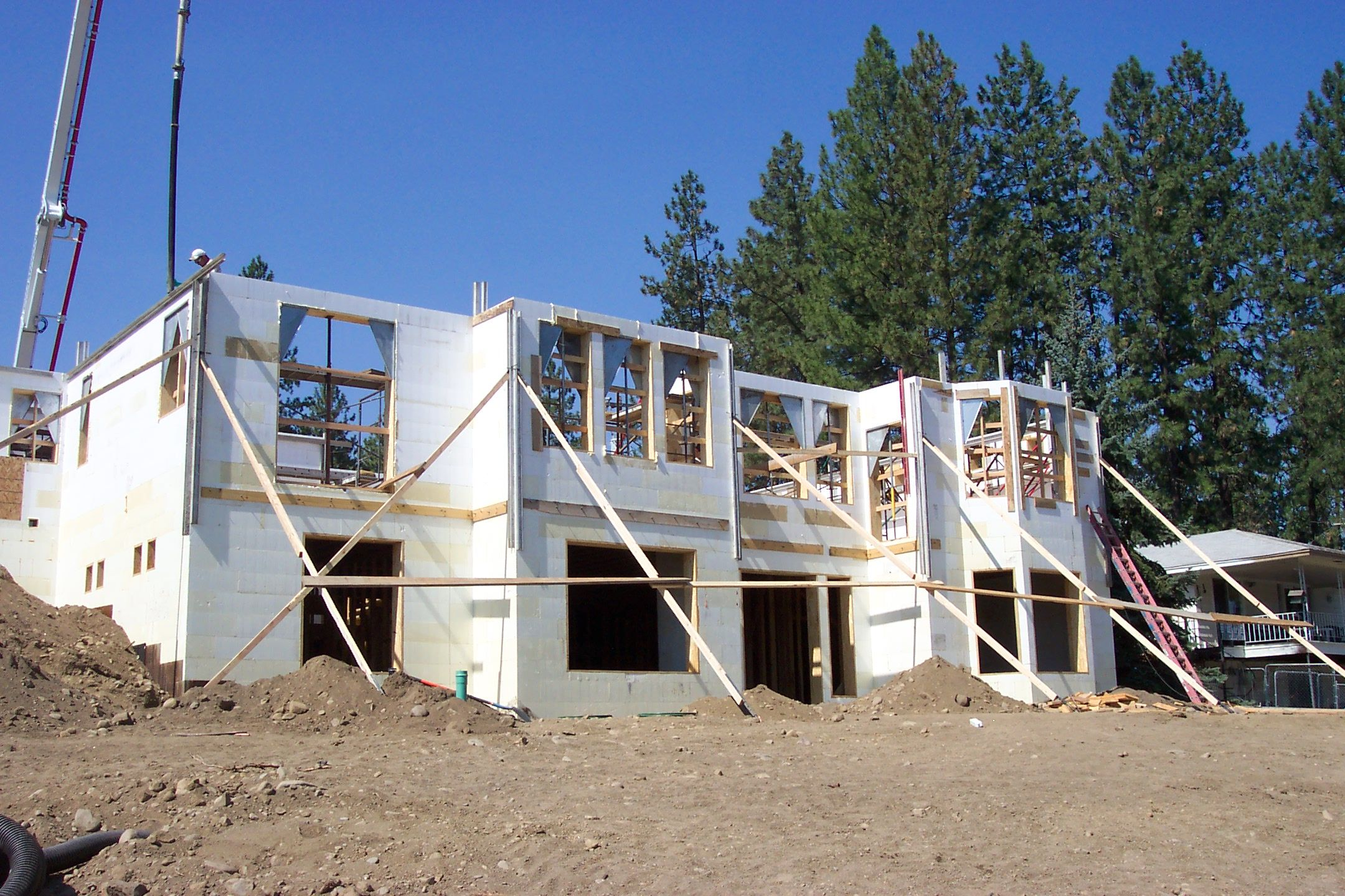Insulated Concrete Form Construction Home Www Greathousedesign Com 3rd Lift Pour Insulated Concrete Forms Concrete Forms Concrete