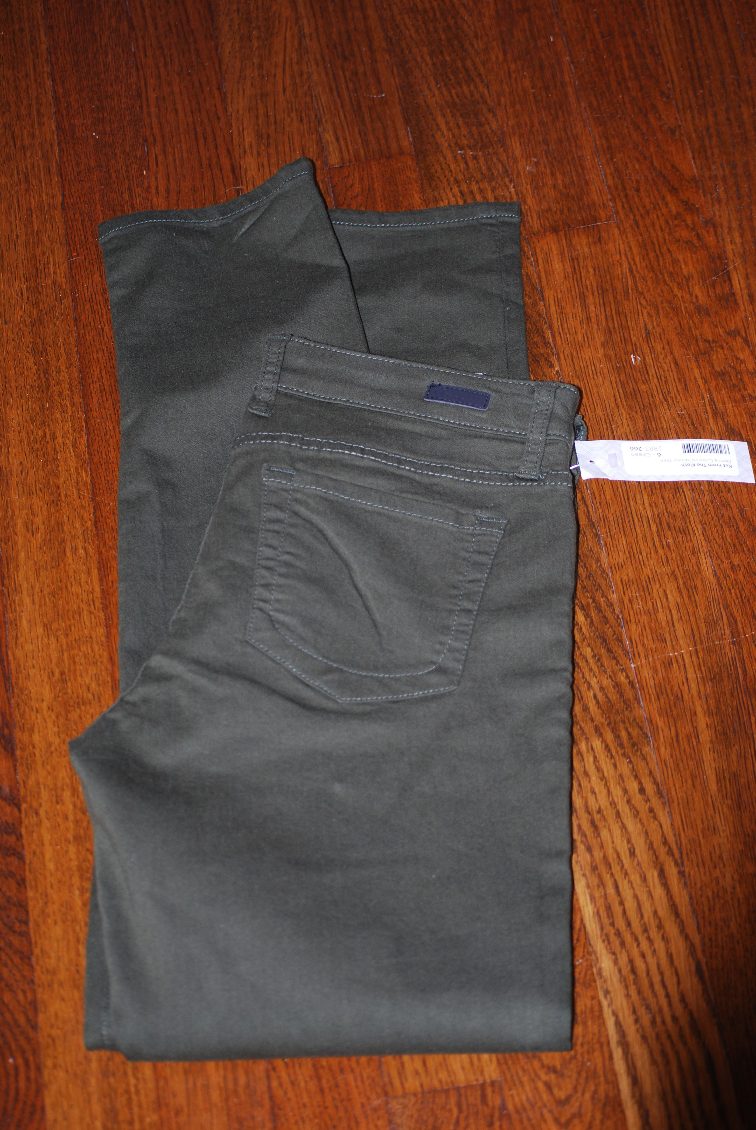 I have a pair of black Kut from the Kloth jeans that I like a lot. I'm looking for gray skinny jeans.
