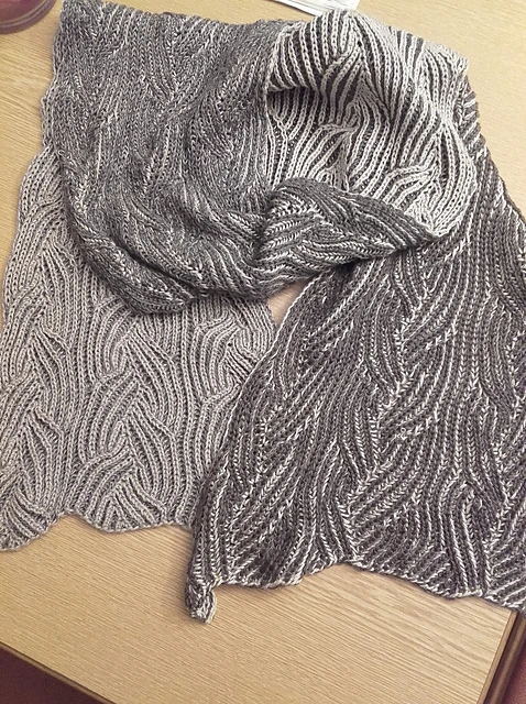 Photo of Geflochtener Zebra-Schal