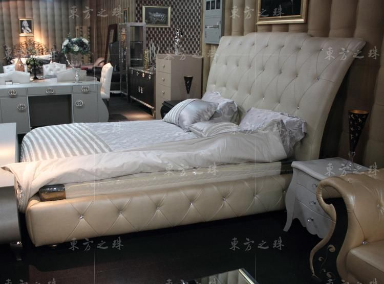 Designer Modern Real Genuine Leather Bed Soft Bed Double Bed King Queen Size Bedroom Home Furniture With Crystal Buttons