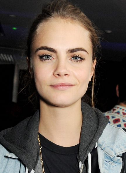 Cejas Cuadradas Earlysunsetsovermonroeville: Cara Delevingne Attends The