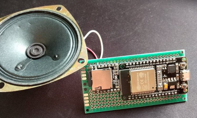 Doorbell with ESP32 board & DFPlayer MP3 module! #makersgonnamake