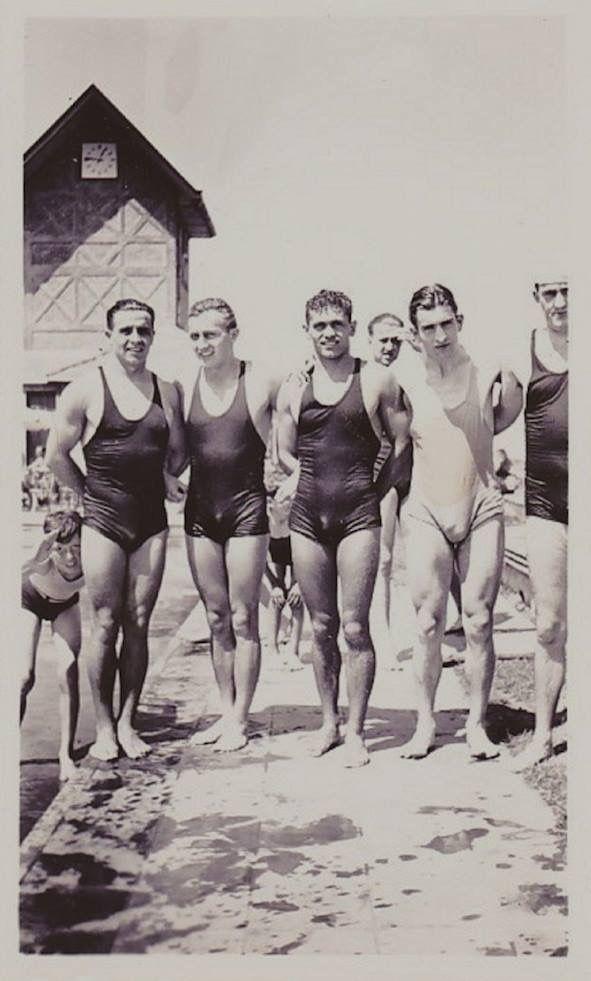 5da2238db57 Team Swimmers At The Beach 1930 | 1920's/1930's Fashion in 2019 ...