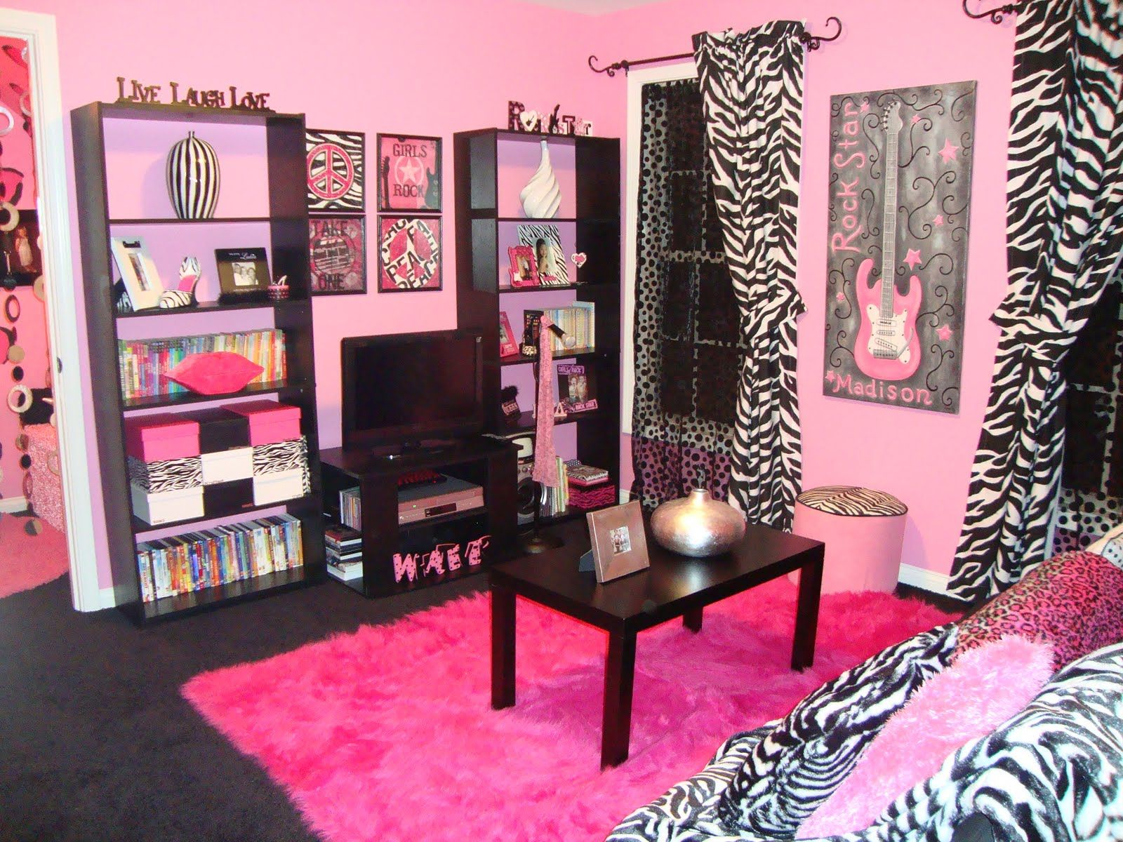 fashionable teen hangout lounge zebra bedroomsteen - Zebra Bedroom Decorating Ideas