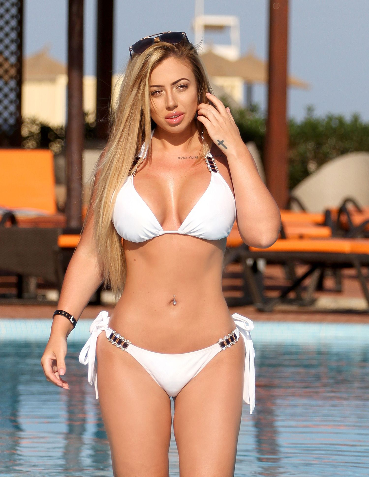 b12f304445 TUDE PRESS (PICTURED - SEXY HOLLY SHOWS OFF HER RECENT WEIGHT LOSS BIKINI  BODY) STUNNING Holly Hagan sizzled at the poolside as she gave hotel guests  an eye ...