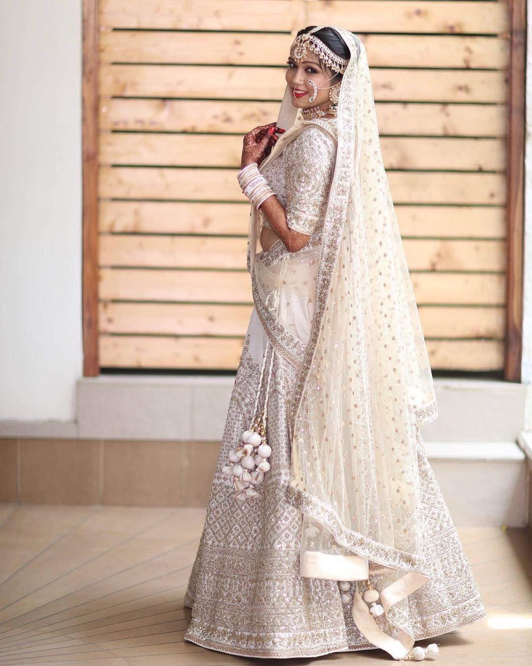 White Wedding Indian Dress: Pin By Tanvi Gandhi On Desi Dulhaniya In 2019