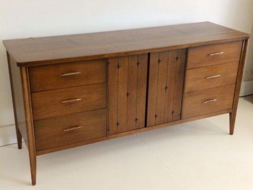 Mid Century Modern Broyhill Saga 9 Drawer Dresser Credenza Starburst Design 9 Drawer Dresser Broyhill Mid Century Modern