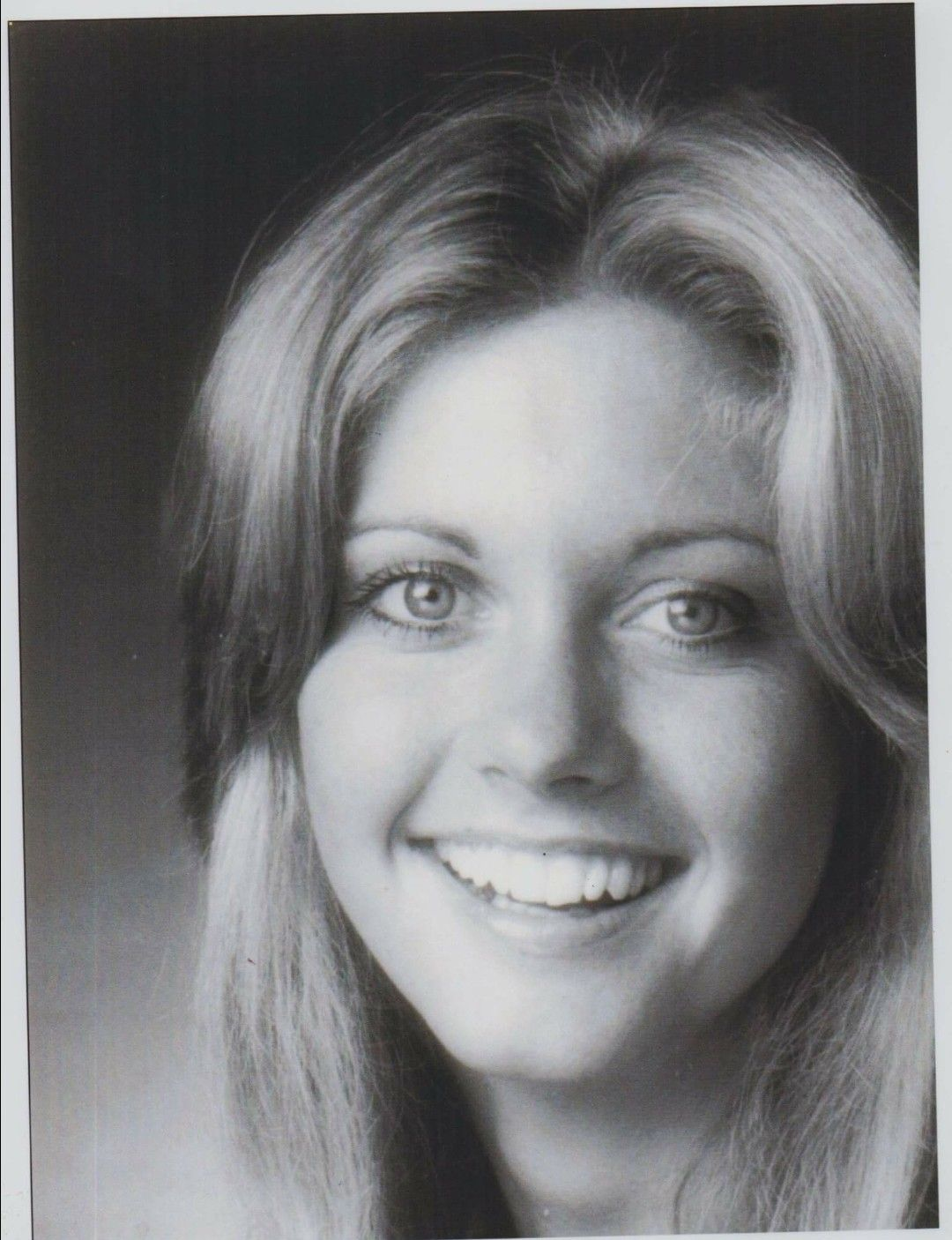 Pin Leslie Smith Olivia Newton-john Newton