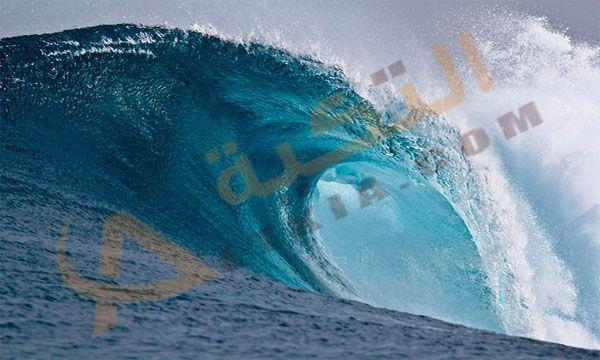 تفسير حلم الموج في المنام حي تتغير حالة البحر مع تغير الوقت ويرجع السبب في هذا إلى سرعة الرياح والمواج وموج البحر هو حدث طبيعي Waves Wallpaper Waves Sea Waves