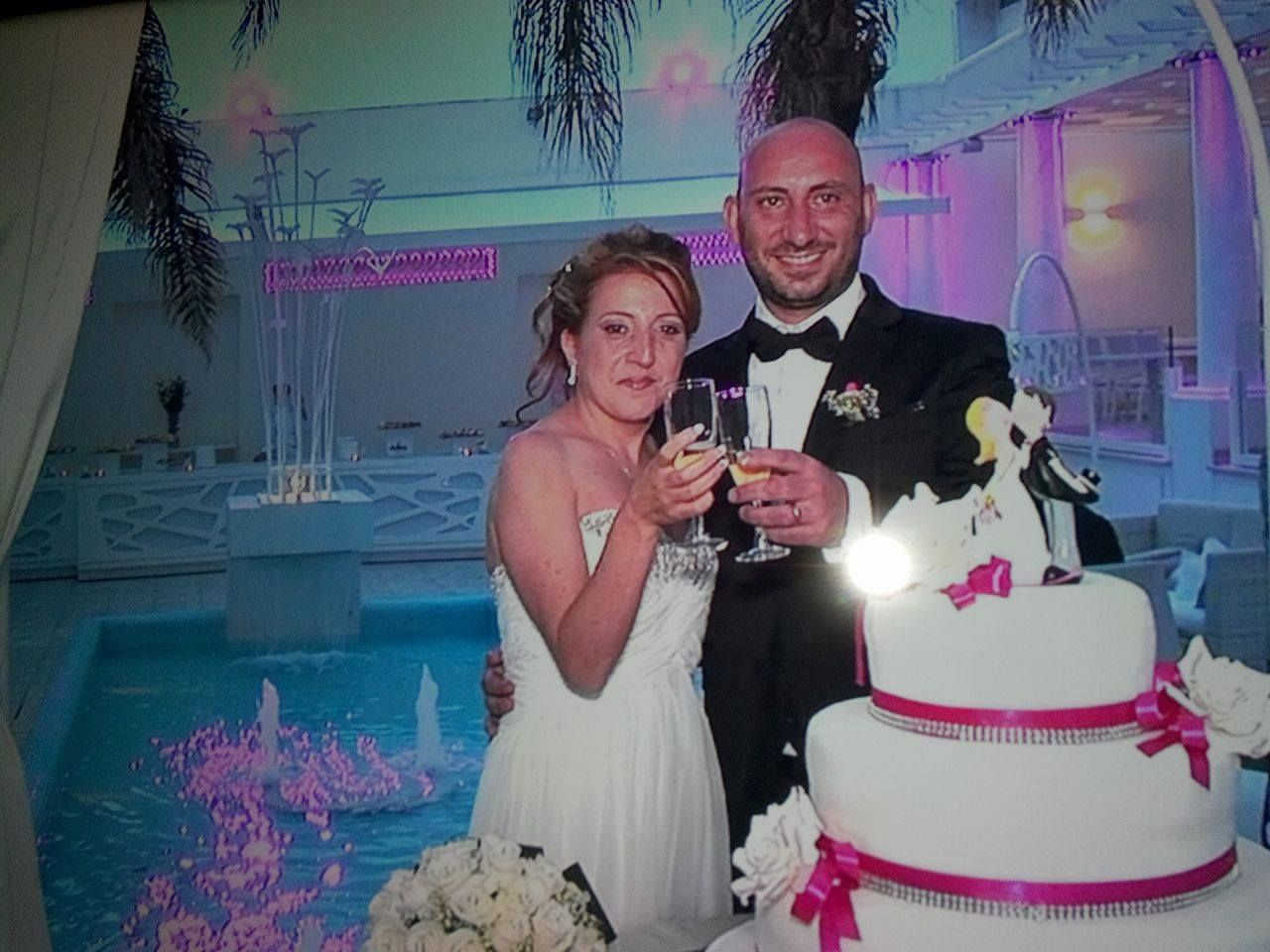 Storie di nozze Al Chiar di Luna: Nunzia e Luigi sposi evergreen. Inviaci la tua foto, per rivivere insieme il tuo giorno più bello www.alchiardiluna.it #alchiardiluna #ilmatrimoniochestaisognando #sposievergreen