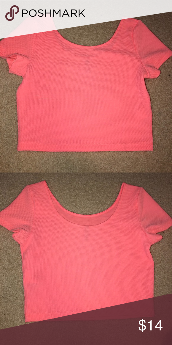 9f1a028e20904 Neon pink crop top! Neon pink crop top! Perfect with high waisted shorts