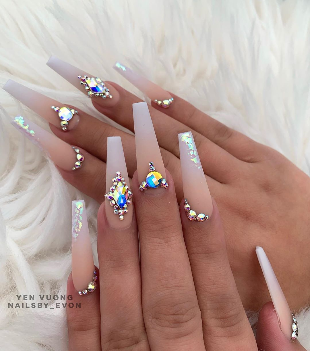 3 834 Likes 22 Comments Evon Yen Vuong Nailsby Evon On Instagram When You Think One Door Is Clos In 2020 Coffin Nails Designs Coffin Shape Nails Gorgeous Nails