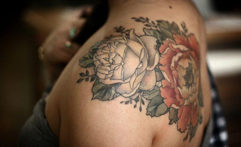 Tatuajes de rosas para mujer - tatuajes de rosas
