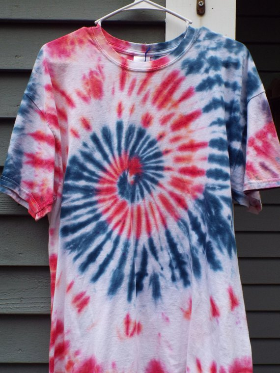Xl Tie Dye Shirt In Red White And Blue Patriotic Tie Dye Xl Etsy Tie Dye Diy Diy Tie Dye Shirts Blue Tie Dye Shirt