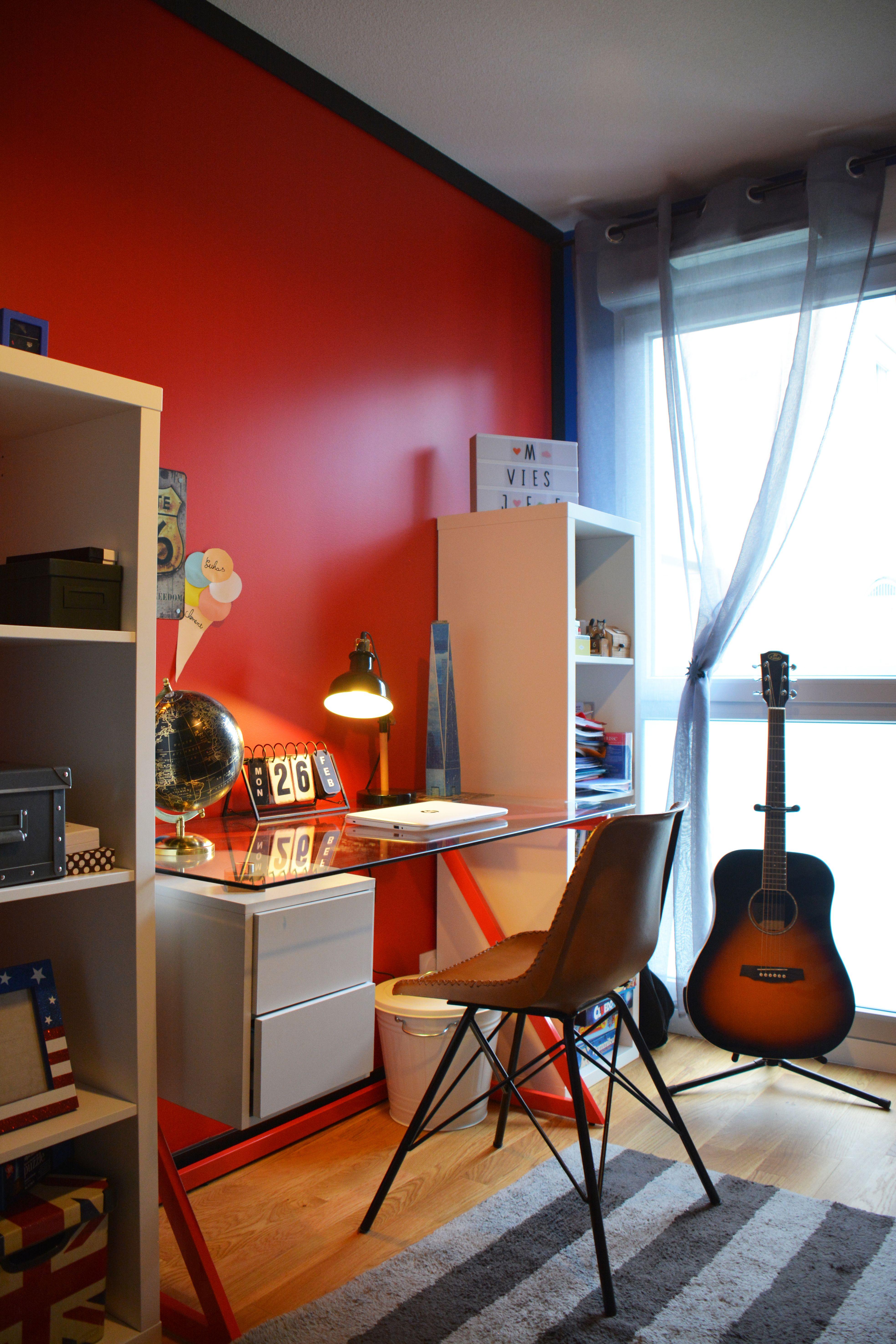 Chambre Ado Sur Le Thème De Londres USA Dans Les Tons Rouge Bleu Et Noir.