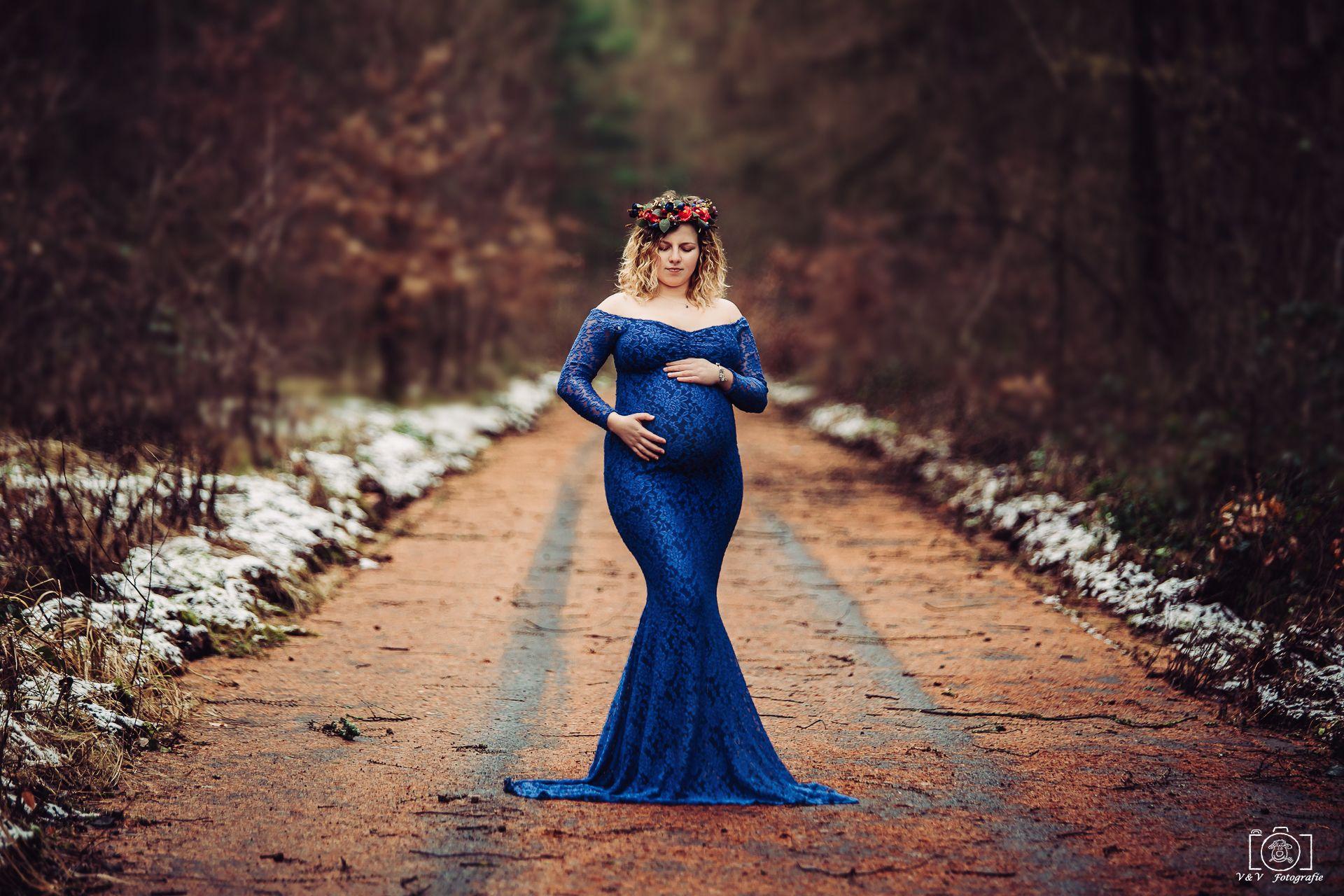 Schwangerschaftsshooting winter, Babybauchbild winter ...