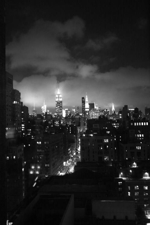 City Photography Black And White Pics Cityphotographyblackandwhitepics Black Aesthetic Wallpaper Black Aesthetic Black And White Photo Wall