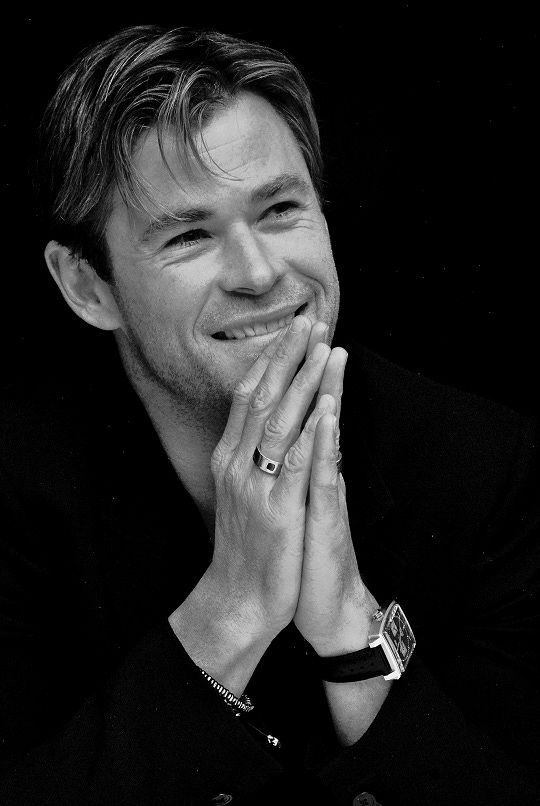 """mcu-cast: """" Chris Hemsworth at the """"In the Heart of the Sea"""" press conference """""""