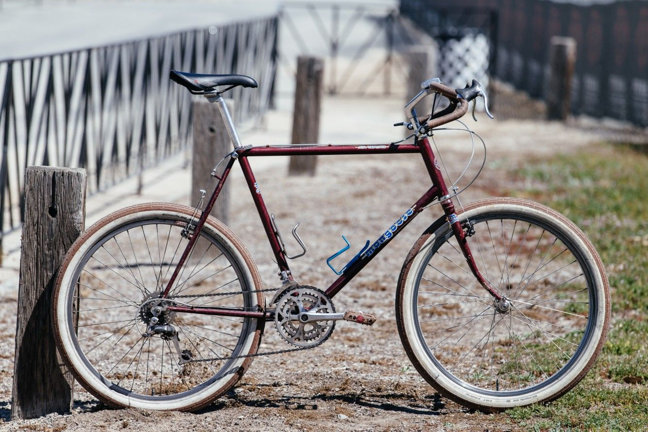 Two Hot Vintage Mtb Commuter Setups Vintage Mountain Bike Mountain Bike Commuter Commuter Bike
