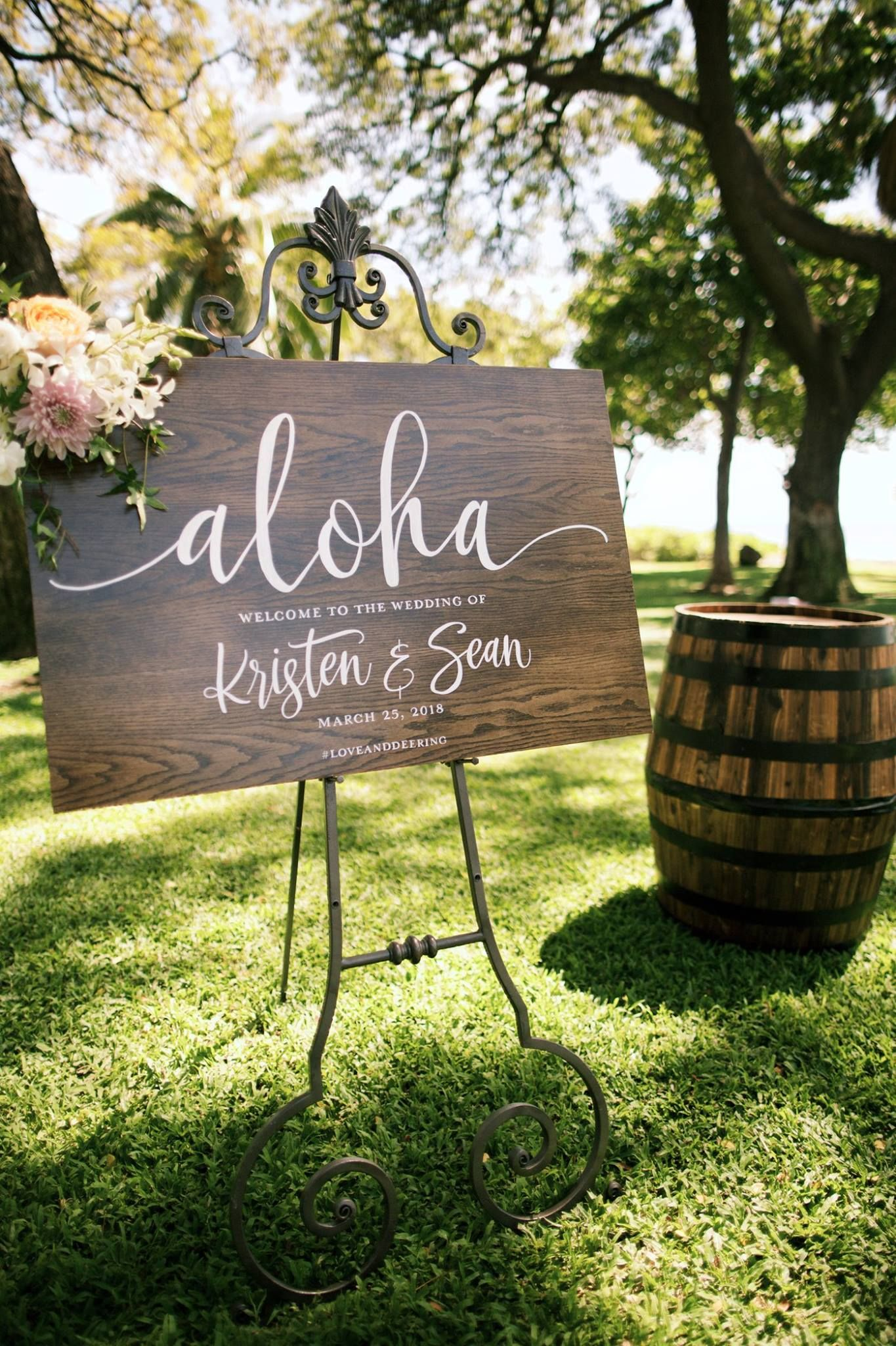 Aloha Hawaii wedding sign Anna Kim Photography Luau
