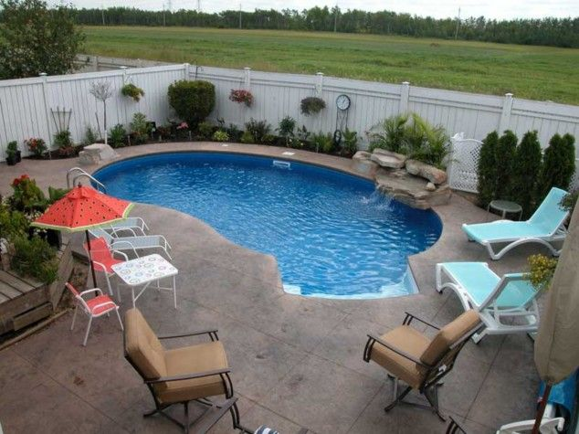 Everyone Loves Swimming Pools You Don T Necessarily Need A Big Yard Space Mini Swimming Pools Are Backyard Pool Designs Pool Patio Designs Small Pool Design