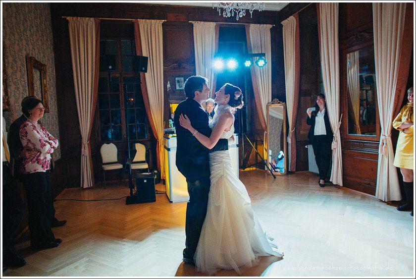 Eine Hochzeit Im Schloss Miel In Swisttal Bonder Hochzeitsfotografie Hochzeit Hochzeitsfotografie Hochzeitsfotos