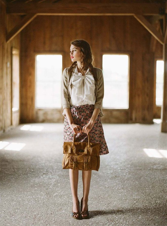 There's a simple elegance to Ruche's 2011 Unending Love Lookbook. The modest outfits and gorgeous backdrops give the series a nice Southern comfort feel.