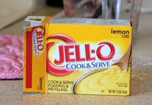 How to Make a Lemon Meringue Pie   The Crafty Blog Stalker #lemonmeringuepie