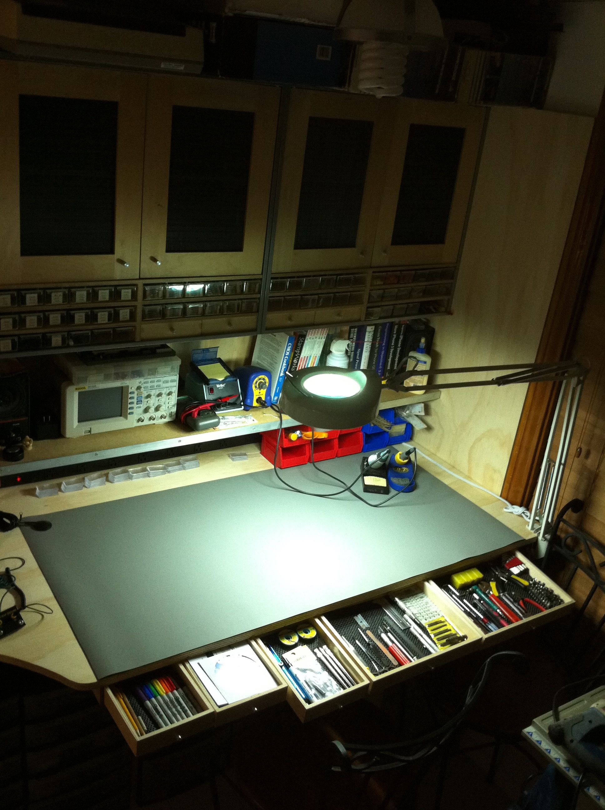 My Electronic Workbench With The Custom Made Drawers Showing Initial November 2010 Electrocircuit Schema Datasheet Tool Storage