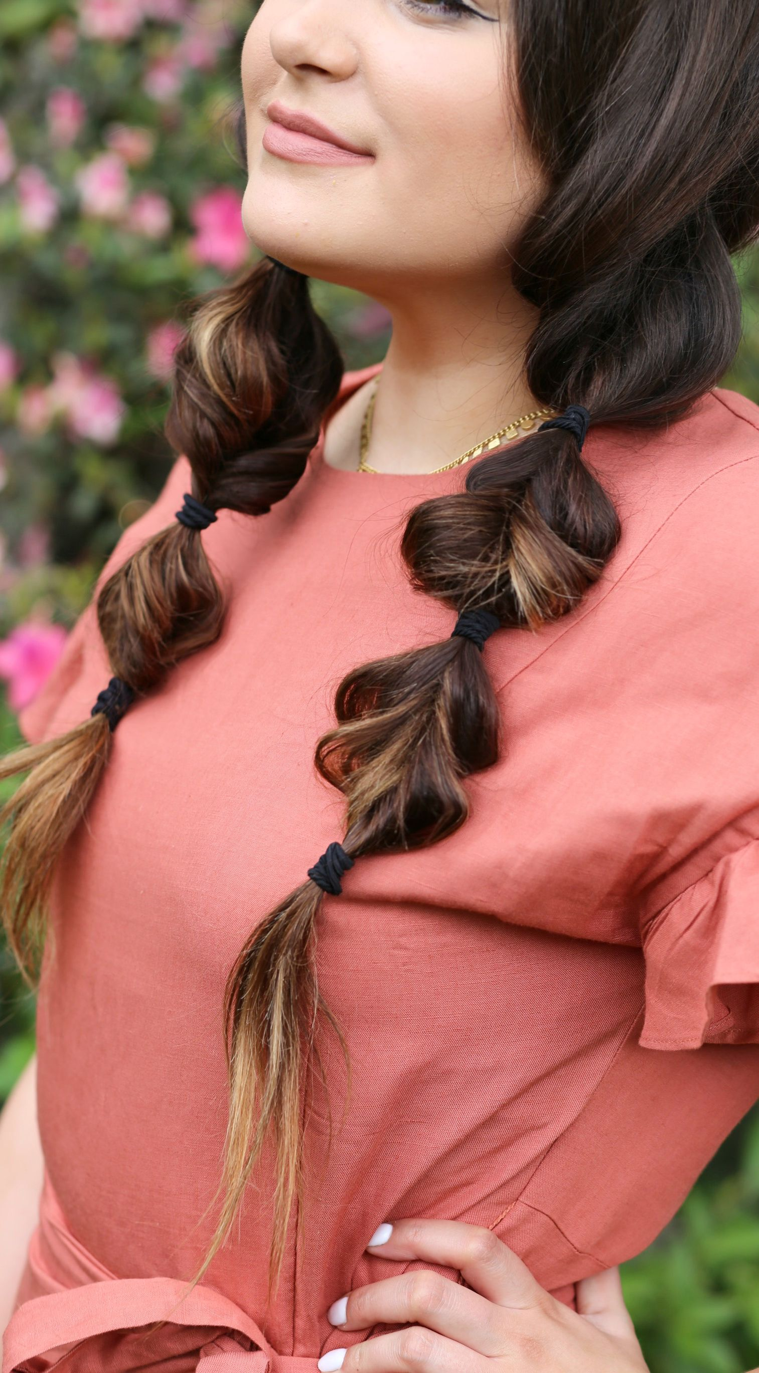 Get this easy heatless hairstyle for spring makeupface