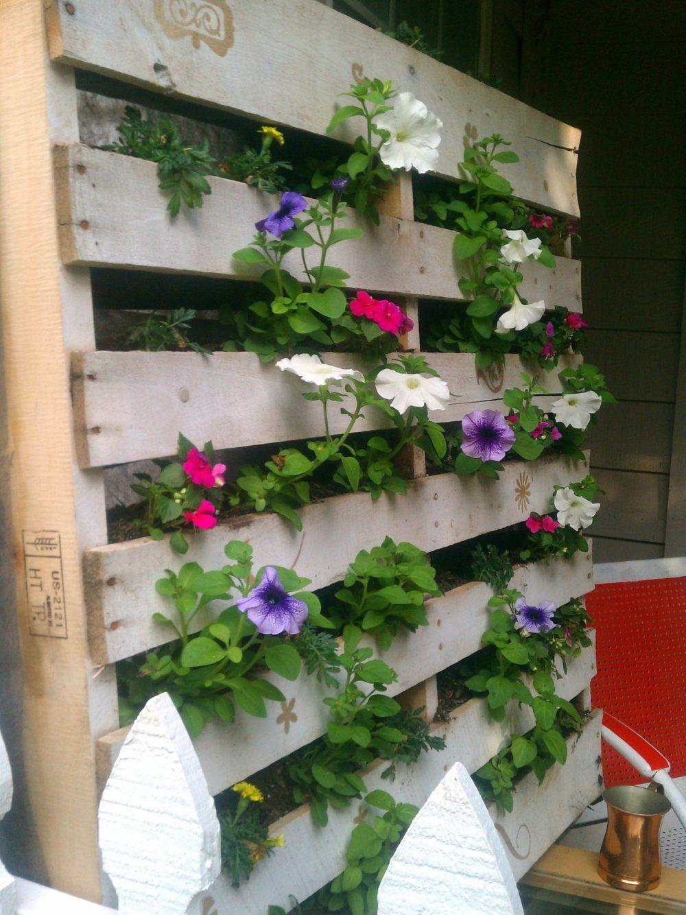 Rumkihn Crafts: Pocket Pallet Garden
