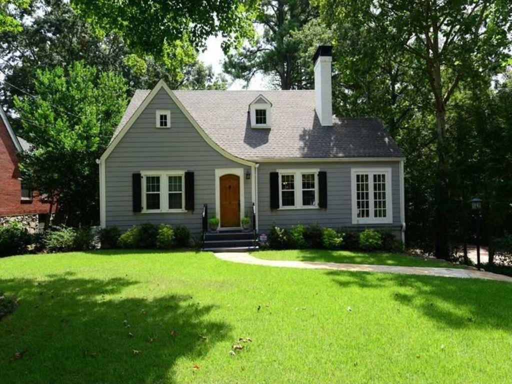 2865 Elliott Cir Ne Atlanta Ga 30305 Zillow Cottage
