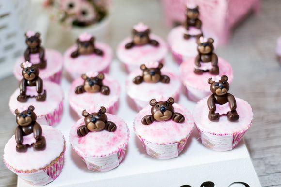 Cupcake ursinho 3D -Lindo e delicioso para enfeitar a sua festa. Ideal para aniversários e lembrancinhas.