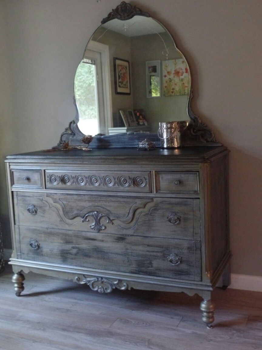 Vintage Dresser And Mirror Finished In Gold Silver Black Glaze Distressed Https
