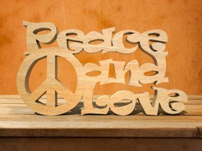 Mot  en bois contreplaqué - PEACE AND LOVE