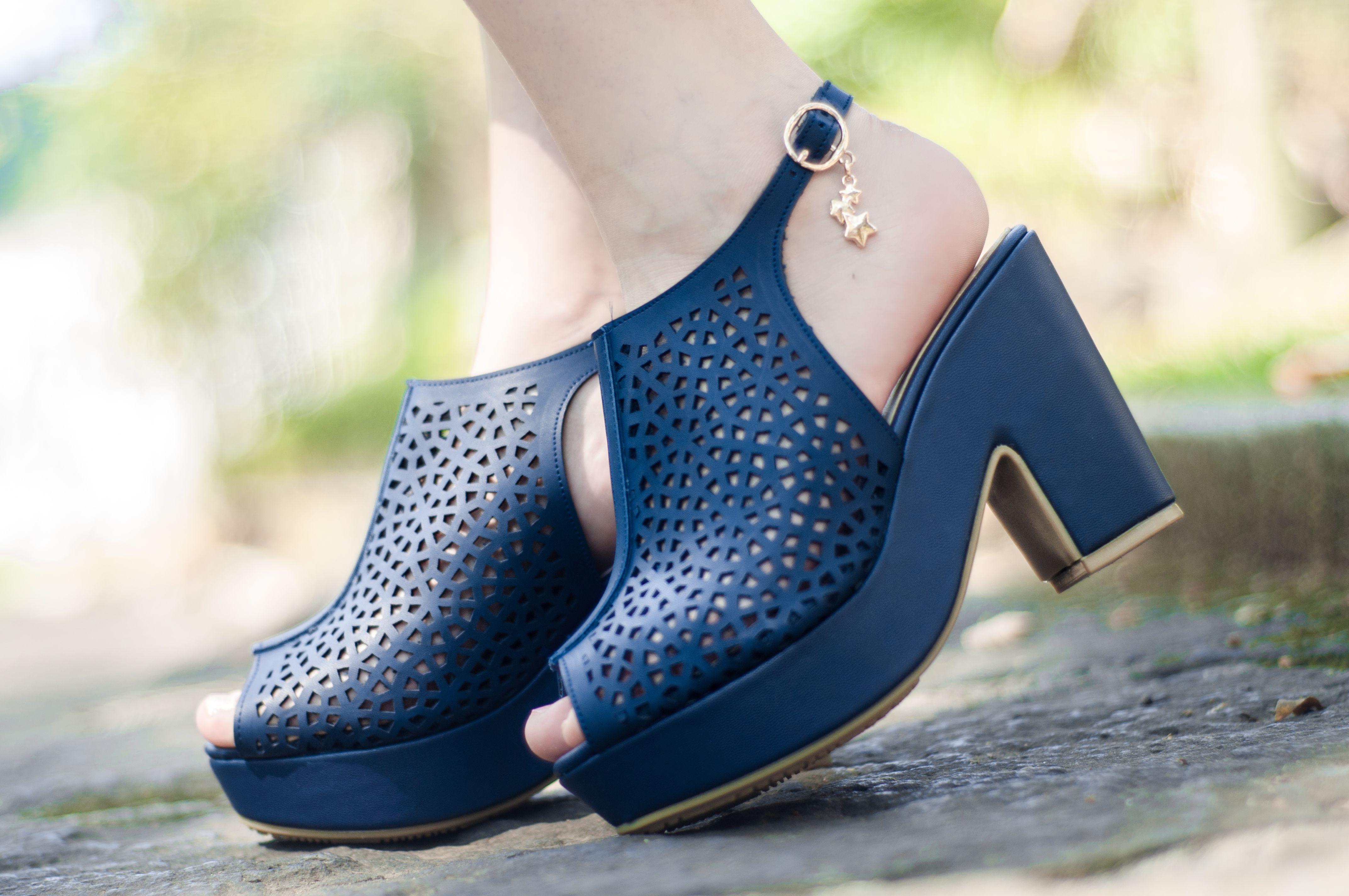 43a73614cc9 Tacones azul marino   zapatillas para primavera   zapatillas para verano    tacón ancho   sandalias